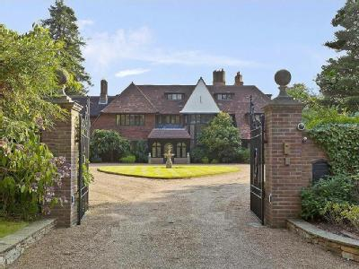 Horseshoe Ridge, St George's Hill, Weybridge, Surrey KT13