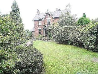Half Edge Lane, Eccles, M30 - Garden