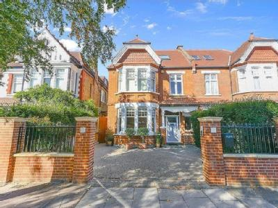 Stanway Gardens, Ealing Common, W3
