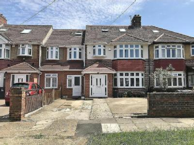 Burns Way, Hounslow, TW5 - En Suite