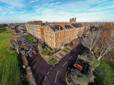 6 Bedroom Graded II Listed Seafront Property - Royal Gate, Southsea