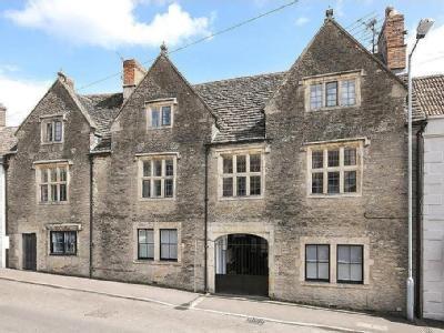Incredible Tudor house steeped in history in the centre of Beckington