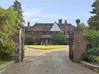 PENTLANDS, HORSESHOE RIDGE, ST GEORGE'S HILL, WEYBRIDGE, SURREY, KT13
