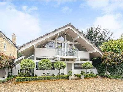 Property for sale, Kingston Hill
