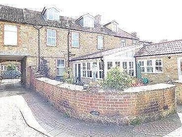 House for sale, North Street - Garden