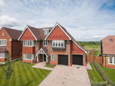 Priest Hill Close, Ewell - Detached