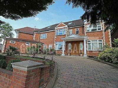 Parklands Drive, Finchley - Detached