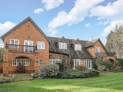 House for sale, Pyrford - Modern