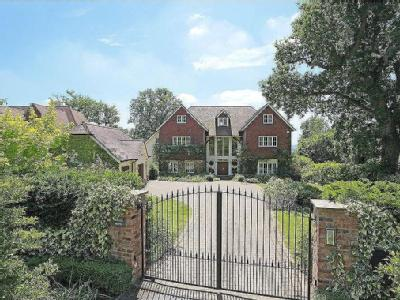 Holmewood Ridge, Langton Green, Tunbridge Wells, Kent, TN3