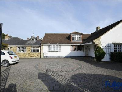Bush Hill, London N21 - Bungalow