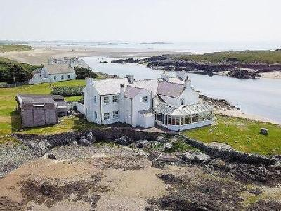 Cymyran, Anglesey - Detached