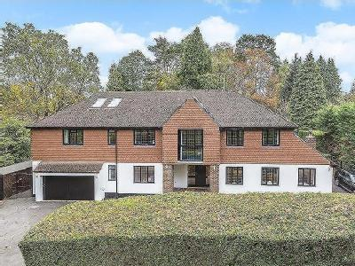 House for sale, Hook Heath - Detached