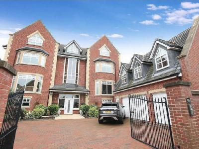 Victory Boulevard, Lytham - Detached