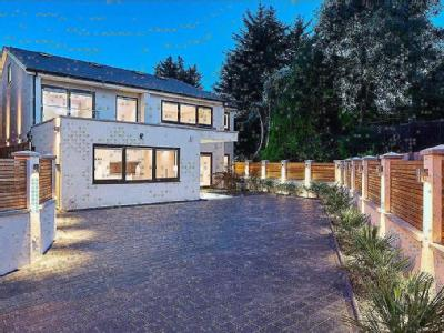 Brinsdale Road, London NW4 - Detached