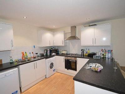 House to rent, Heeley Road - Terraced