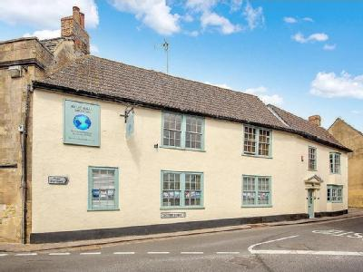 Coombe Street, Bruton - Listed