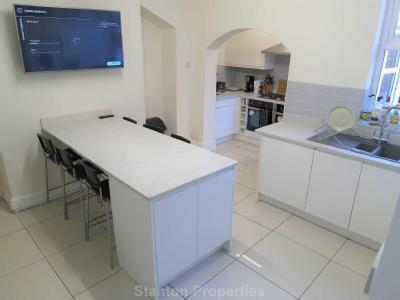 House to rent, Balmoral Road