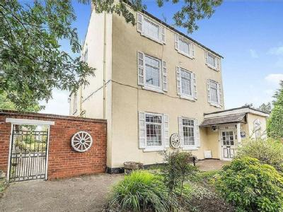 Sheffield Road, Chesterfield, S41