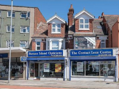 Flat for sale, London Road - Freehold