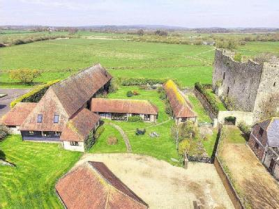 Castle Lane, New Barn Road, Arundel, West Sussex, BN18