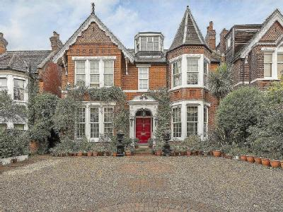 House for sale, Ealing - Detached