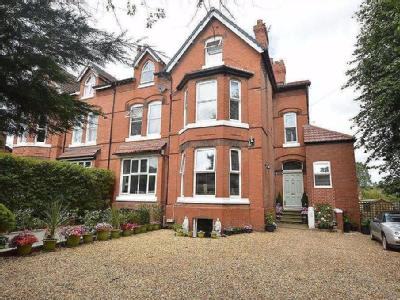 Kingsmead Road South, Oxton, CH43