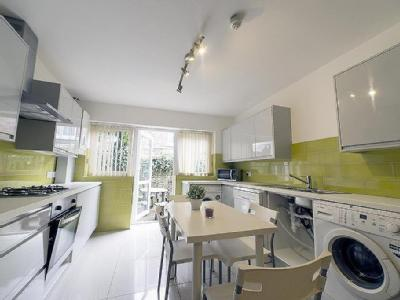 House to rent, Ashlyn Grove - Garden