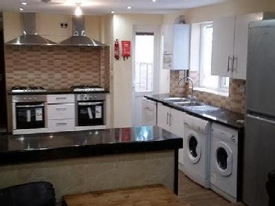 House to let, Alton Road - Terraced