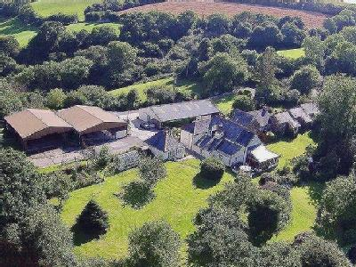 STUNNING MAIN RESIDENCE * THREE BEAUTIFUL 4* HOLIDAY COTTAGES * 40 ACRES *STABLING / GARAGING / TWO LARGE BARNS