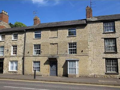 31, High Street, Brackley - Listed