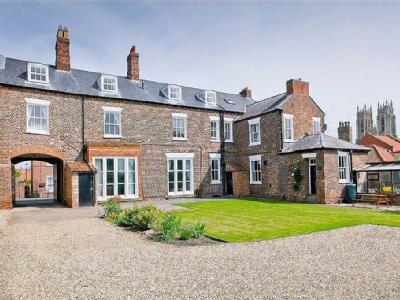Keldgate, Beverley - Terraced