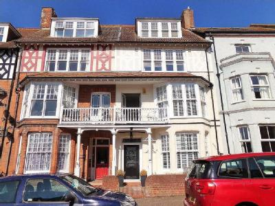House for sale, Cromer - Terraced