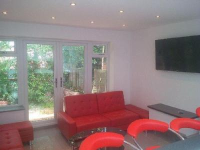 House to let, Tiverton Road - Patio