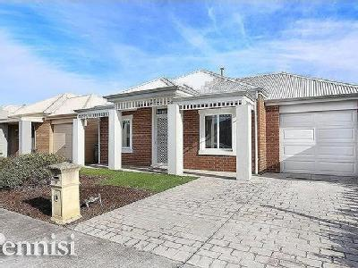 15 Westgarth Road - Air Con, Garden