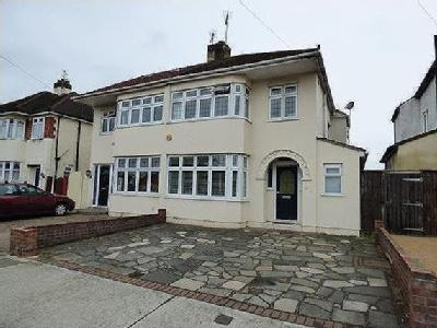 Alma Avenue, Hornchurch , RM12 - Gym