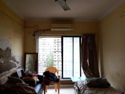 Goregaon East, Royal Palm Road, Near Shree Hanuman Mandir, Aarey Colony, Mumbai