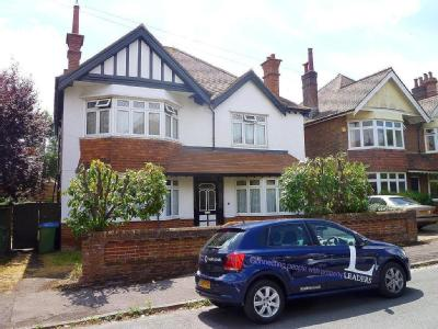 Flat to let, Leigh Road - Flat