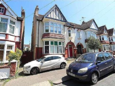 Oakleigh Park Drive, Leigh-on-sea, SS9