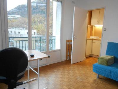 Appartement en location, Grenoble - Parking