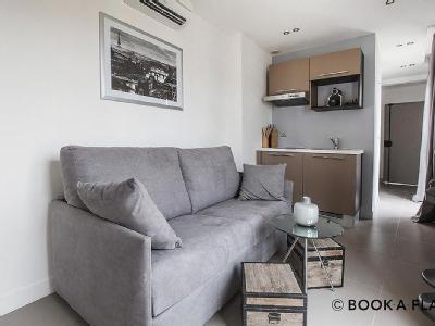 Appartement à louer, Paris 8e - Ascenseur