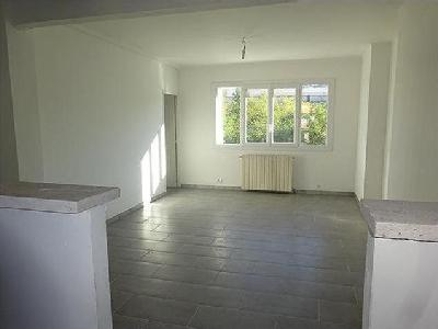 Alès - Balcon, Appartement, Parking