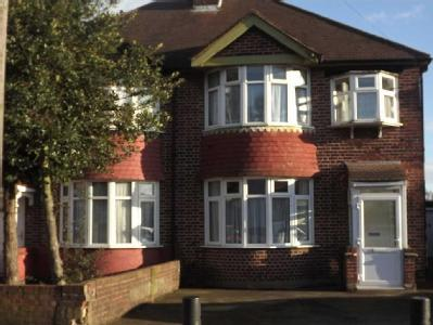 Boundaries Road, Feltham, Tw13