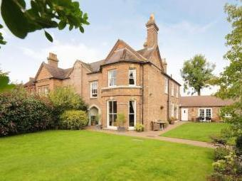 Queen Street, Broseley TF12 - Listed