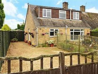 5 houses and flats for sale from connells nestoria for Perfect kitchens chipping norton