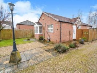 Doncaster Gardens, Navenby, Lincoln, Lincolnshire LN5