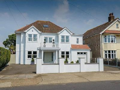 House for sale, Church Road - Lift