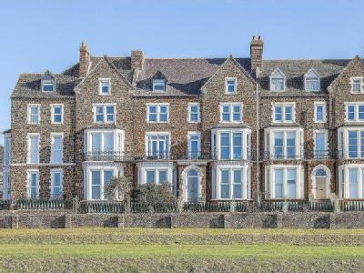 Flat for sale, Cliff Parade