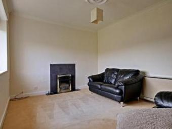 Peel Road, Colne BB8 - Furnished