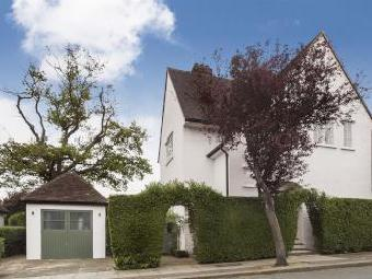 Willifield Way, London NW11 - Listed