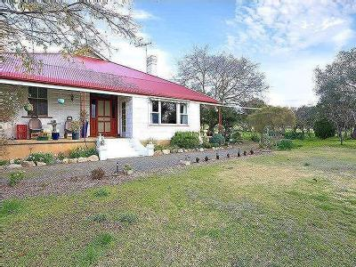 House to buy Auburn Road - Garden